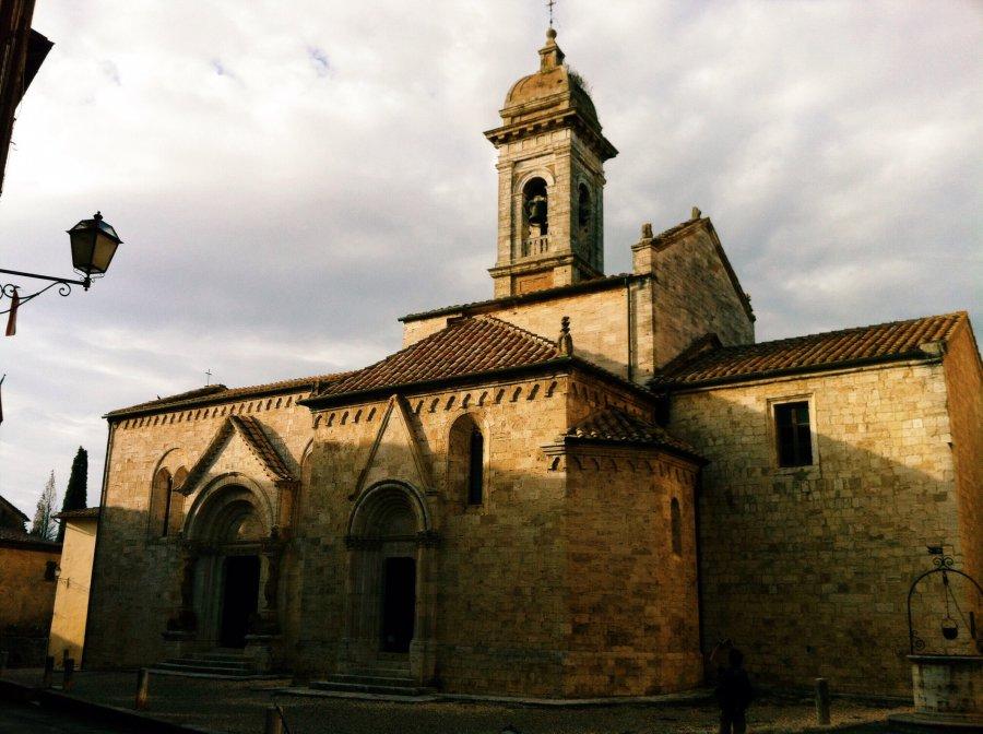 Photo taken at Via Dante Alighieri, 2, 53027 San Quirico d ...