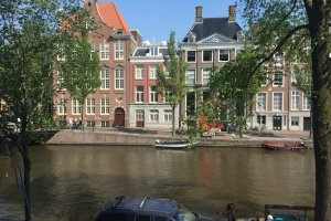 Photo taken at Kloveniersburgwal 624, 1012 CX Amsterdam, Netherlands with Apple iPhone 6