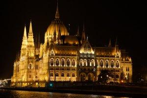 Budapest, Idősebb Antall József rakpart, 1052 Hungary