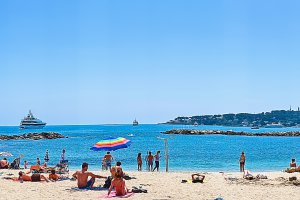 4 Prom. Amiral de Grasse, 06600 Antibes, France