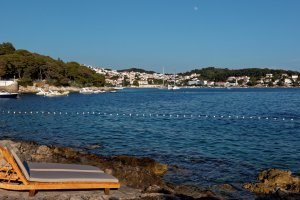 Photo taken at Ulica Vlade Avelinija 10, 21450, Hvar, Croatia with Canon EOS 7D Mark II