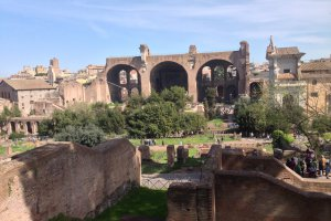 Photo taken at Via Sacra, 00186 Roma, Italy with Apple iPhone 5
