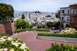 Photo taken at 1042-1060 Lombard Street, San Francisco, CA 94133, USA with FUJIFILM X-T1