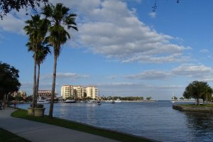 Photo taken at 137-199 Bay Shore Dr NE, St. Petersburg, FL 33701, USA with SONY DSC-HX400V