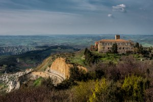 Photo taken at Strada Provinciale Volterrana, 56048 Volterra PI, Italy with NIKON D800