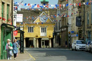 51 Long Street, Tetbury, Gloucestershire GL8 8AA, UK