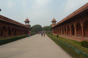 Taj East Gate Rd, Paktola, Tajganj, Agra, Uttar Pradesh 282006, India