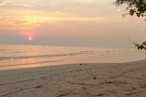 Thanon Hat Mae Ram Phueng, Lan Hin Khao Beach, Rayong Province, Thailand