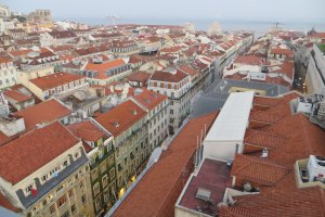 Photo taken at Rua Santa Justa 105, 1100-100 Lisboa, Portugal with Canon PowerShot SX260 HS