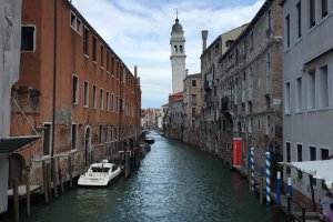 Photo taken at Riva degli Schiavoni, 4154, 30122 Venezia, Italy with Apple iPhone 6