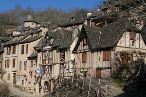 Photo taken at D42R, 12320 Conques, France with NIKON D300
