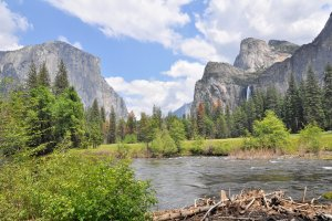 Photo taken at Northside Dr, Wawona, CA 95389, USA with NIKON D90
