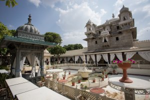 Photo taken at Pichola, Udaipur, Rajasthan 313001, India with Canon EOS 6D