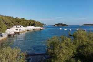 Photo taken at Ulica Dinka Kovačevića 10, 21450, Hvar, Croatia with Canon EOS 7D Mark II