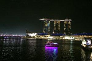 21 Esplanade Dr, Singapore 038980
