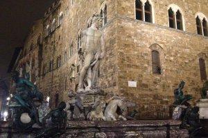 Piazza della Signoria, 2, 50122 Firenze, Italy