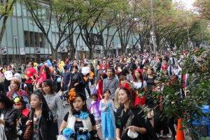 Japan, 〒150-0001 Tōkyō-to, Shibuya-ku, Jingūmae, 5 Chome 都道413号線