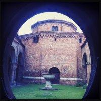 Via Santa, 9, 40125 Bologna, Italy