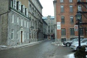 235 Rue du Saint-Sacrement, Montréal, QC H2Y 3V3, Canada