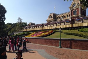 Photo taken at Park Promenade, Hong Kong Disneyland Resort, Hong Kong with Apple iPhone 5