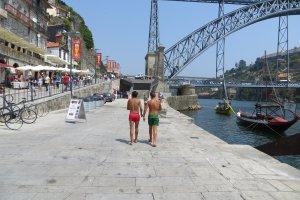 Largo dos Arcos da Ribeira, 4000 Porto, Portugal