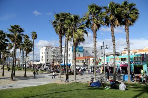 Photo taken at 1300-1398 Ocean Front Walk, Venice, CA 90291, USA with Canon EOS 6D