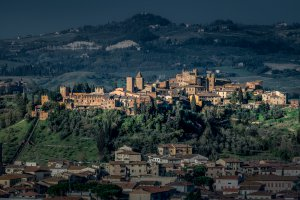 Photo taken at Via del Sasso, 31-33, 53037 San Gimignano SI, Italy with NIKON D800
