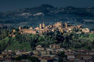 Via del Sasso, 31-33, 53037 San Gimignano SI, Italy