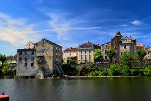 284 Quai Jean Lagrive, 46000 Cahors, France