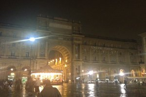 Photo taken at Piazza della Repubblica, 10, 50123 Firenze, Italy with Apple iPhone 4S