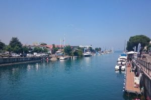 Photo taken at Lungolago Porto Esterno, 1, 37019 Peschiera del Garda VR, Italy with Sony D5803