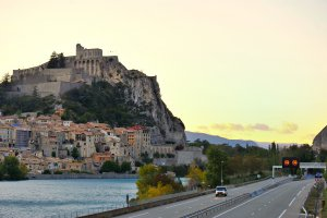 Photo taken at 27 Route de Volonne, 04200 Sisteron, France with NIKON D3S