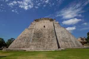 Photo taken at Uxmal, Carretera Umán-Chencollí, San Isidro, Santa Elena, Yucatán, Mexico with Canon EOS 6D