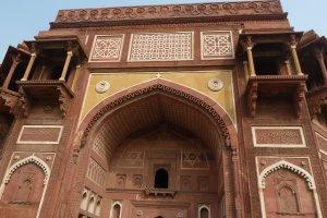 Musamman Burj, SH 62, Agra Fort, Rakabganj, Agra, Uttar Pradesh 282003, India