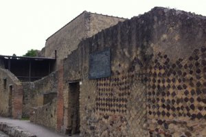 Photo taken at Via Mare, 38-57, 80056 Ercolano NA, Italy with Apple iPhone 4