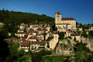 D8, 46330 Saint-Cirq-Lapopie, France