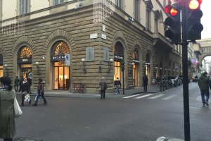 Photo taken at Via de' Tornabuoni, 81, 50123 Firenze, Italy with Apple iPhone 6